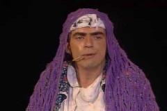 Elie Kakou déguisé en madame Sarfati