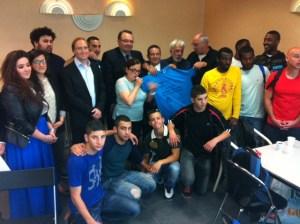 Salim Jaber, Patrick Mennucci, Evelyne Sitruk, Edgar Laloum, Meïr Russo, Hagay Sobol des représentants de l'UEJF et l'équipe de foot