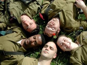 Tsahal célébre la diversité! Beaucoup de ses soldats viennent des quatre coins du monde!