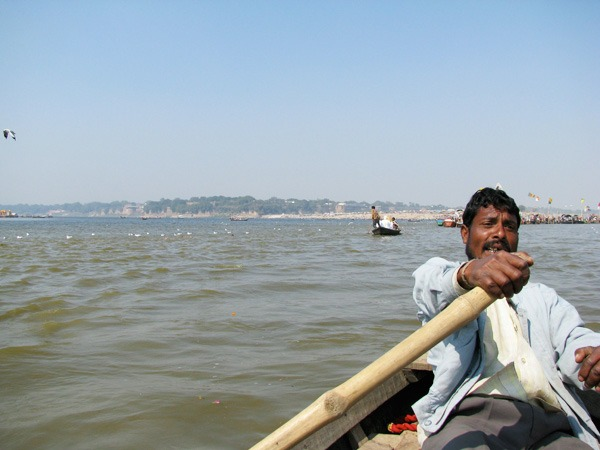 rowing-to-sangam