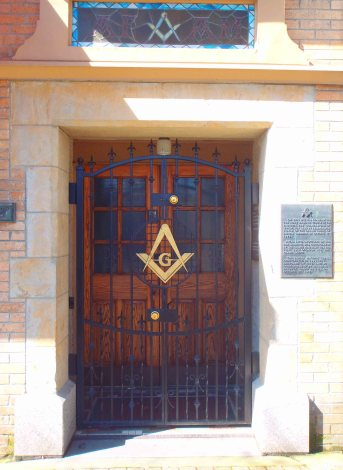 Entrance to the Ashlar Masonic Temple