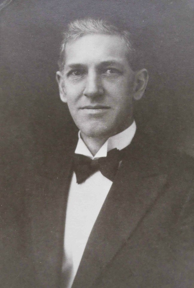 John D. Galloway, Worshipful Master of Ashlar Lodge in 1922