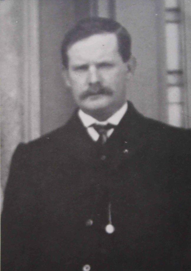 Robert Patterson, Worshipful Master of Ashlar Lodge, No.3 in 1916