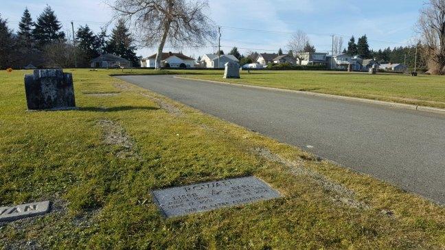 Earl Rowan grave, Bowen Road Cemetery, Nanaimo, B.C.