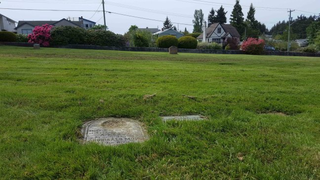 The grave markers of Archibald Muir and Joseph Muir, Bowen Road cemetery, Nanaimo (photo by Ashlar Lodge No. 3 Historian)