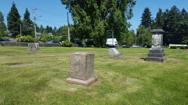 William Stewart grave, Bowen Road cemetery, Nanaimo, B.C. (photo by Ashlar Lodge No. 3 Historian)