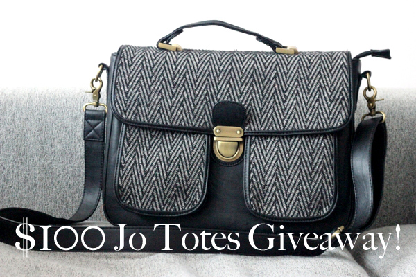 My Absolute Favorite Camera Bag + A Giveaway! [CLOSED]