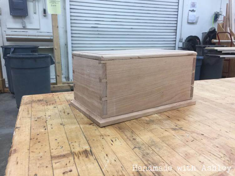 Building a Dovetail Box with Hand-cut Joinery