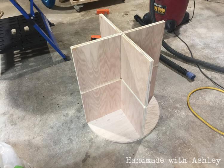 Assembling table base