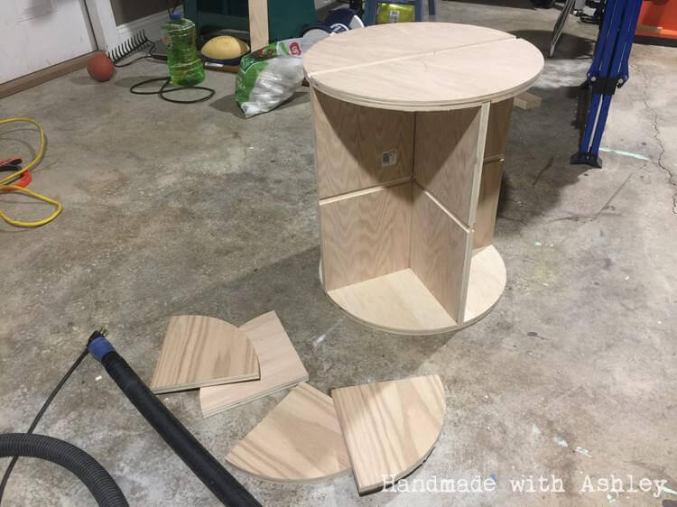 Inserting table shelves