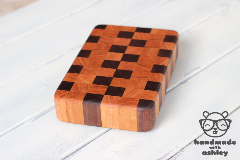 Handmade gift - Walnut and Cherry end grain cutting board | How To Tutorial