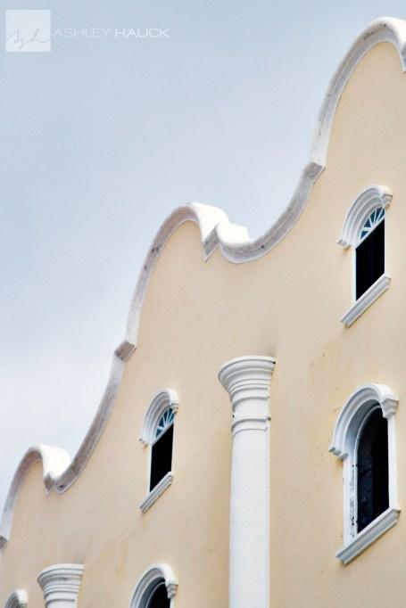 curacao-building-topaz-clean