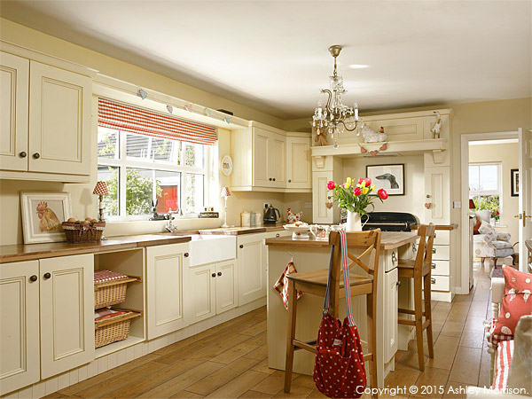 The kitchen in Lesley & Lindsay Anderson's cottage style bungalow.