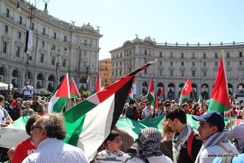 Bandiere palestinesi. Foto Alessio Fratticcioli