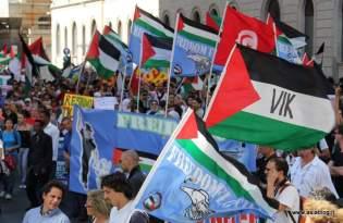 Bandiere Freedom Flotilla 2. Foto Alessio Fratticcioli