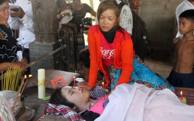 cambogia fabbrica crollata muore ragazza