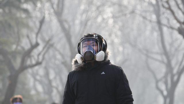 Cina, smog Pechino livelli 8 volte superiori a quelli di sicurezza. Foto Andy Wong/AP