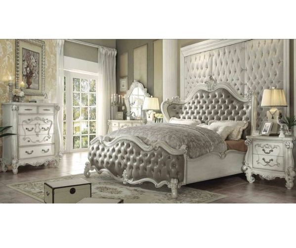 Set Tempat Tidur Mewah Warna Putih
