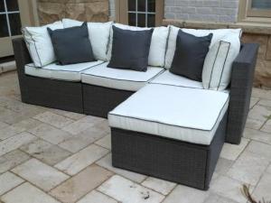 Sofa Sudut Rotan Sintetis Modern