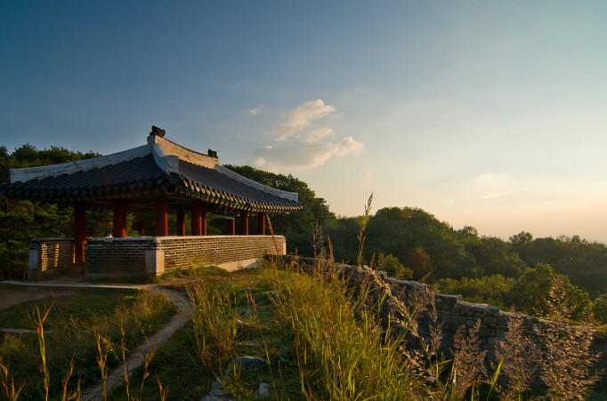 Gate-Pavillion-of-Korea-682x451