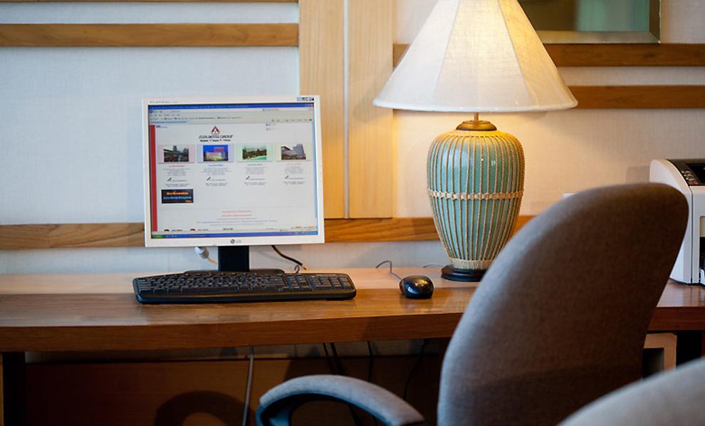Asia Airport Hotel : Internet Corner