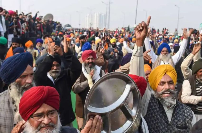 Farmers stir: Protestors beat 'thali', feed birds during PM's Mann Ki Baat