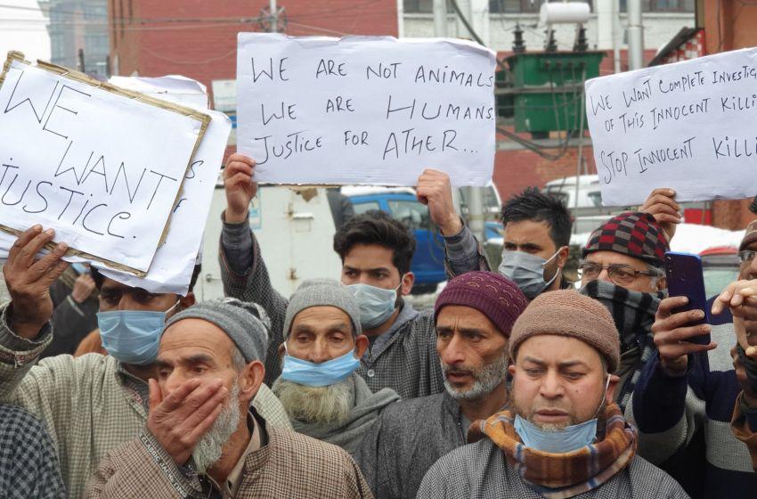Lawaypora gunfight: Families of slain youth protest in Srinagar, demand justice