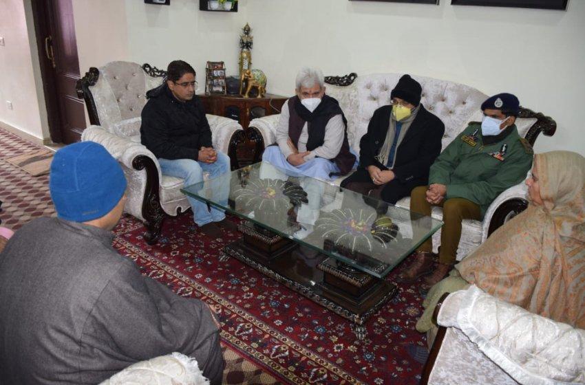 LG visits family of slain goldsmith at Srinagar, expresses solidarity