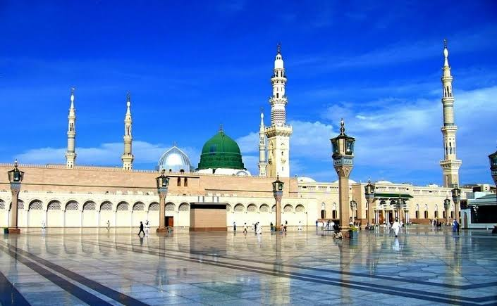 Roof of Masjid-e-Nabvi opened after 10 months