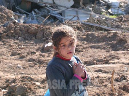 2008、09年のイスラエル軍によるパレスチナ・ガザ地区への攻撃。古居みずえは攻撃直後に現地に入り、ドキュメンタリー映画「ぼくたちは見た ガザ・サムニ家の子どもたち」を制作した。(ガザにて撮影:古居みずえ)