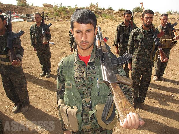 <イラク写真報告>ヤズディ教徒襲撃から2年(5)ISからシンジャルの一部を奪還したクルド部隊(写真11枚)