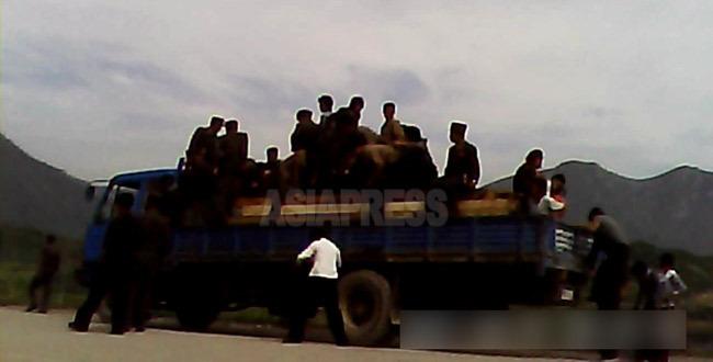 <北朝鮮内部>大型トラックがダム湖に転落19人死亡か 乗客は閉じられたコンテナ内で溺死 大雪の北部両江道で(写真と地図)