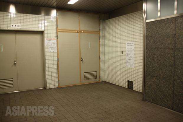 高濃度のアスベストを検出した地下鉄六番町駅の構内。(2013年12月撮影・井部正之)