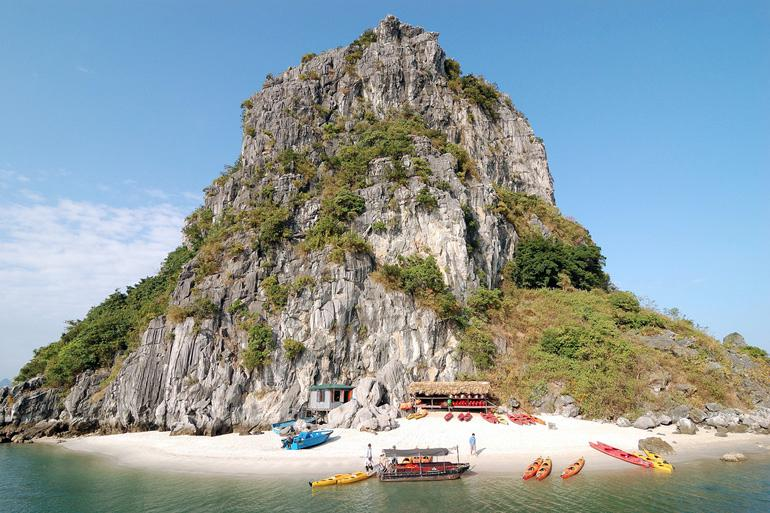A rock-climber's dream in Halong Bay