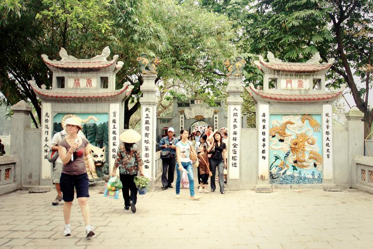 Head through the gates of Ngoc Son Temple @Andrea Schaffer