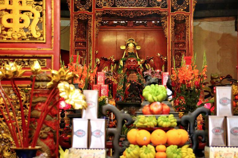 Tran Hung Dao's altar @Dieter Hefner