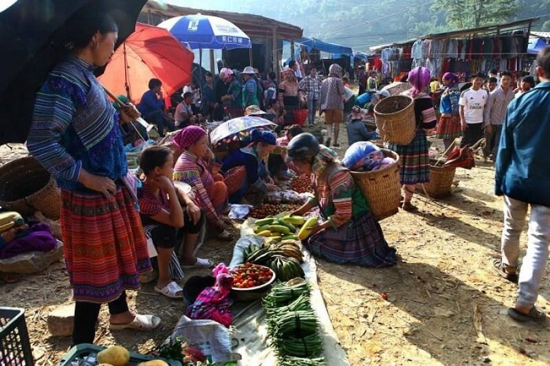 Visit bustling Can Cau market on weekends