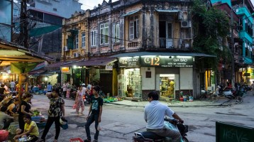 A memorable Hanoi tour by local