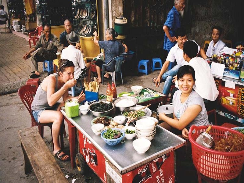 How-to-enjoy-a-fancy-tour-in-Hanoi3