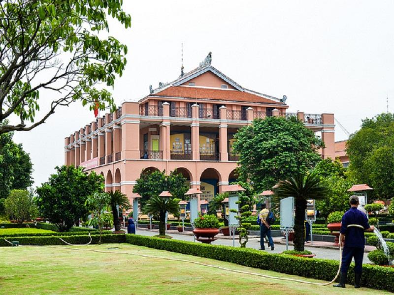 Nha-Rong-wharf - Ho-Chi-Minh-Museum2
