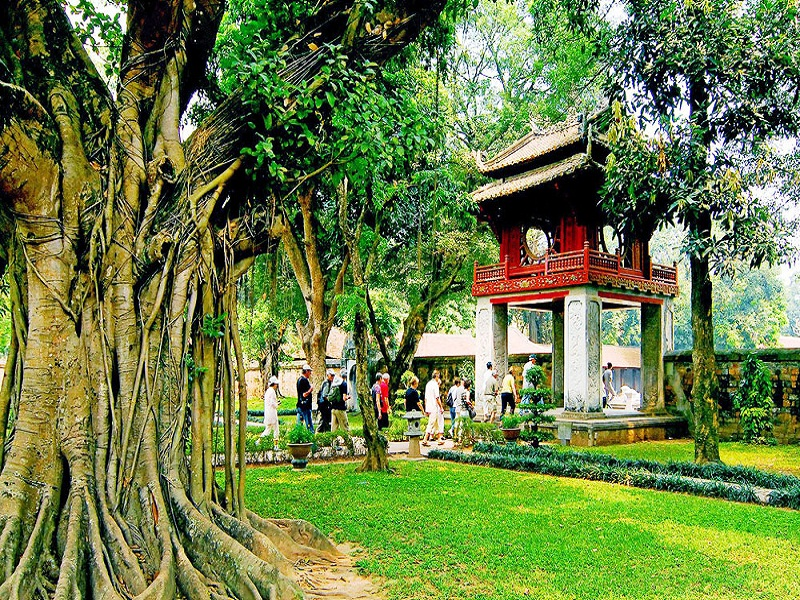 Temple-of-Literature – A-place-to-honor-the-study-of-Hanoi2