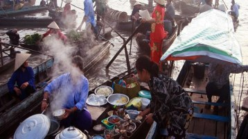 Top 5 Floating Markets in Mekong Delta (part 2)