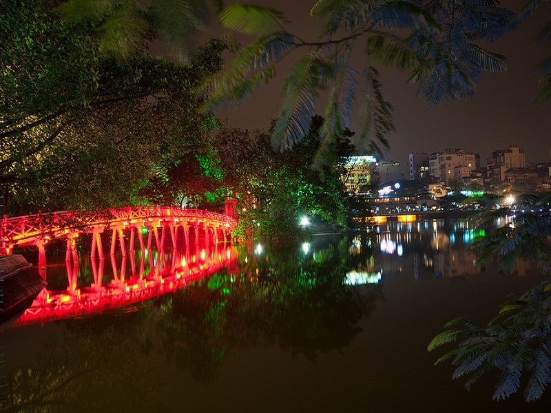 Hanoi Night Market, something you shouldn't miss in your tours to Hanoi- image 1