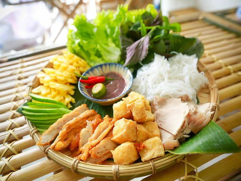 Top-best-and-unique-dishes-to-eat-in-Saigon4