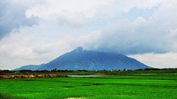 8 amazing mountains tourists must check-in once coming to Vietnam (part 1)