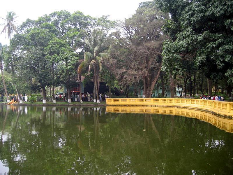 3-seasoned-garden