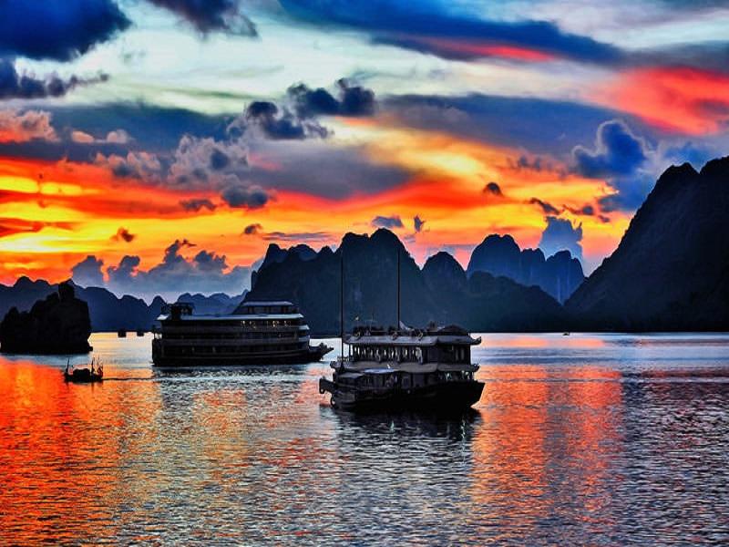 Let's-make-a-memorable-adventure-in-Vietnam2