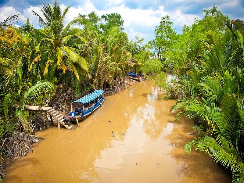 Let's-make-a-memorable-adventure-in-Vietnam5