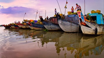 Explore the peculiarity of Cai Be Floating Market in Tien Giang province
