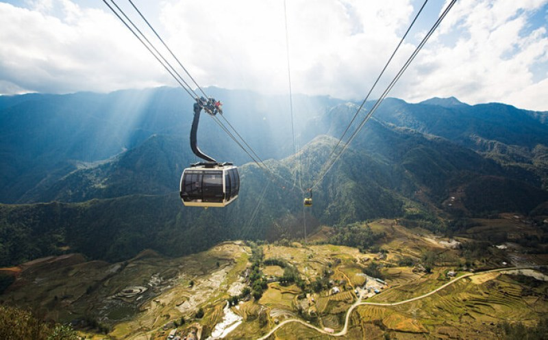 Cable car - the fastest means to reach Fansipan
